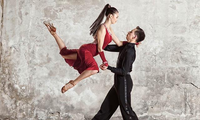 댄스스포츠 레슨