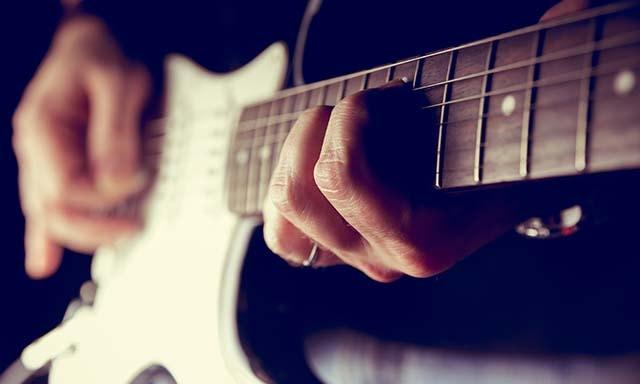 베이스 기타 레슨